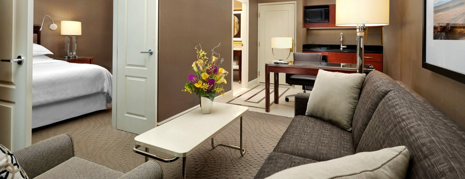 Sheraton Suites Calgary Eau Claire - Club Two-Bedroom Hotel Suite